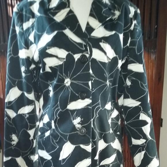 GEORGE Jackets & Blazers - George flower print 3/4 length jacket, like new!